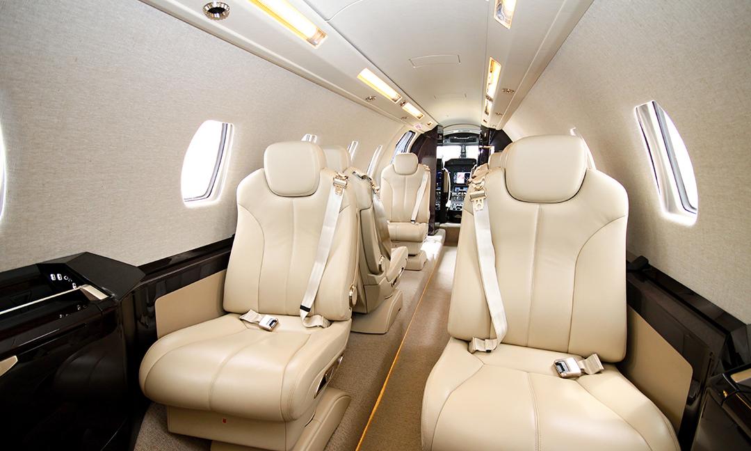 Innenraum einer Cessna Citation 680 Sovereign