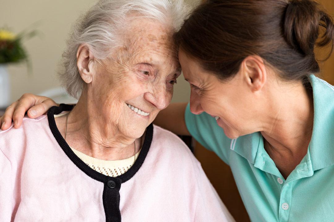 Assistance en avion de personnes âgées
