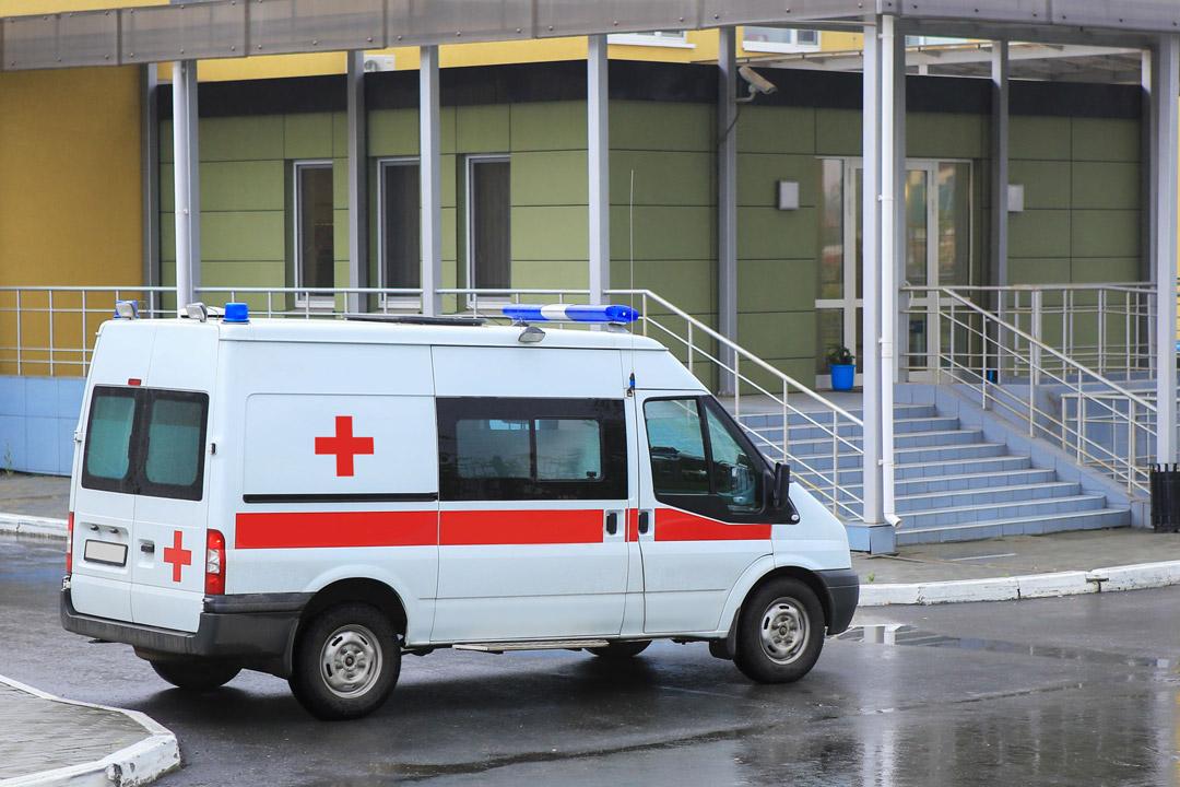 Bodentransport im Krankenwagen/Rettungswagen