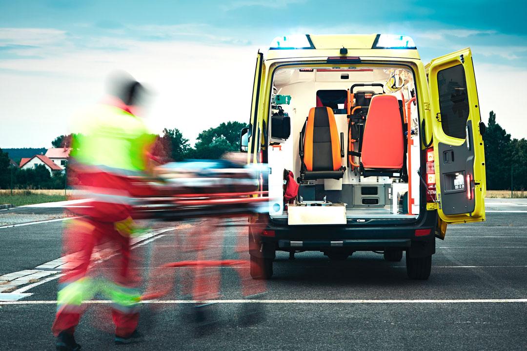 Transporte terrestre en ambulancia