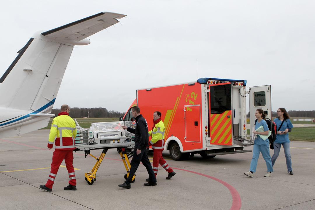Ambulanzflug für ein herzkrankes Kind aus Polen