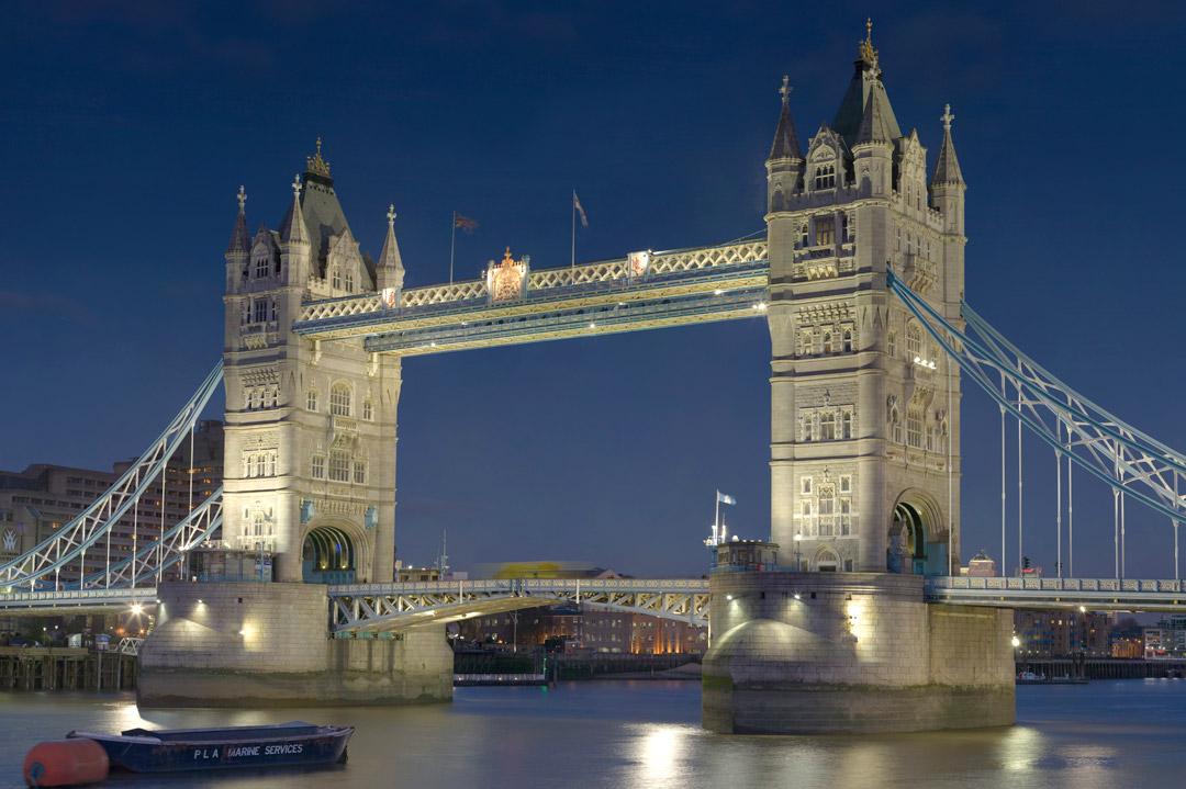 Air ambulance to London (Great Britain)