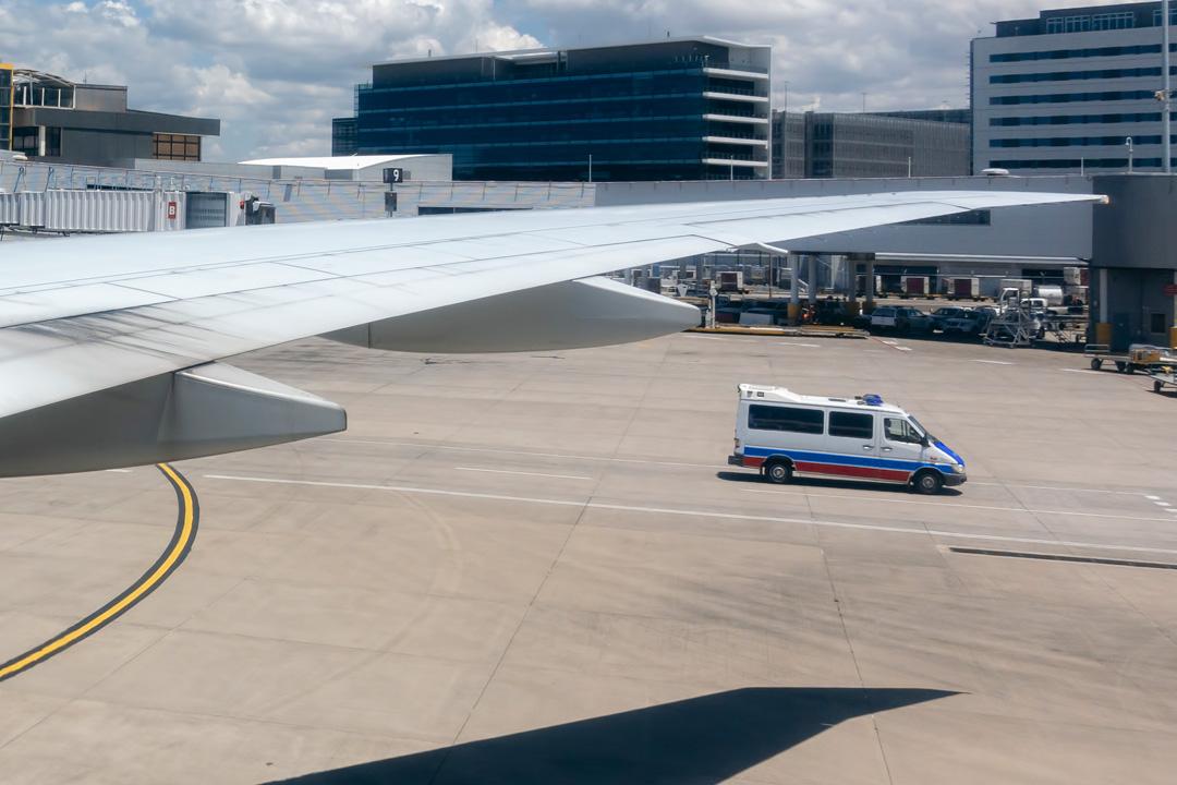 Ambulance et avion
