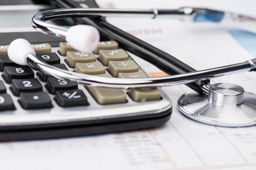 Mit welchen Ambulanzflug Kosten muss ich rechnen?