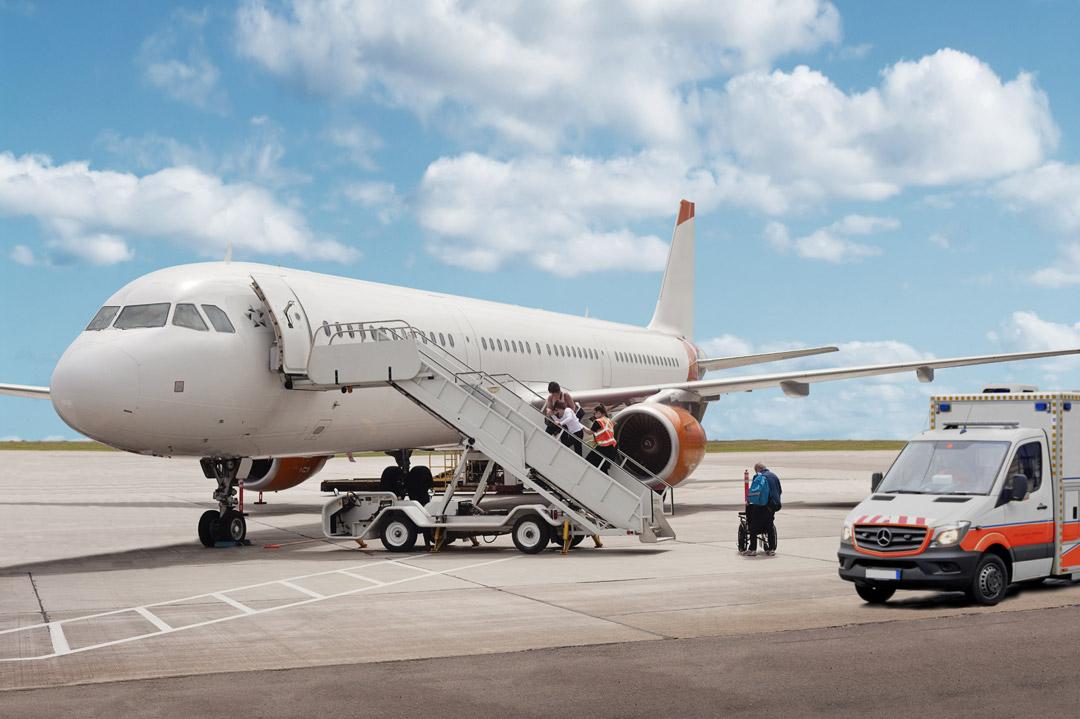 Auslandsrückholung im Linienflugzeug