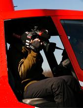 Filmaufnahmen im Helikopter - von der Schulter