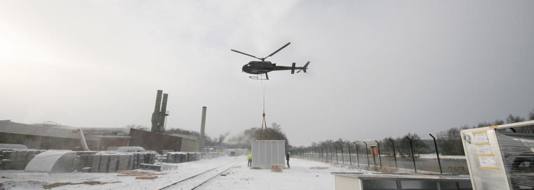 Hubschraubermontage von Klimageräten