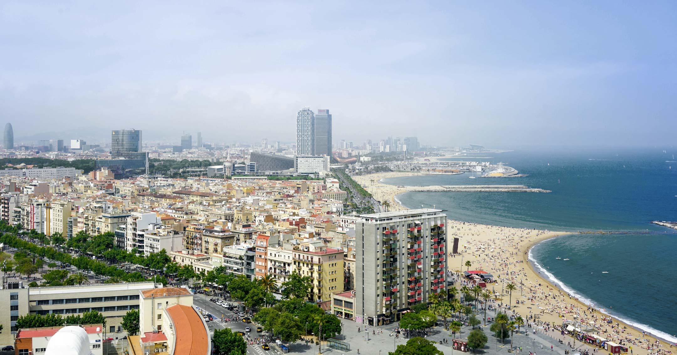 Lastenflug Hubschrauber Barcelona