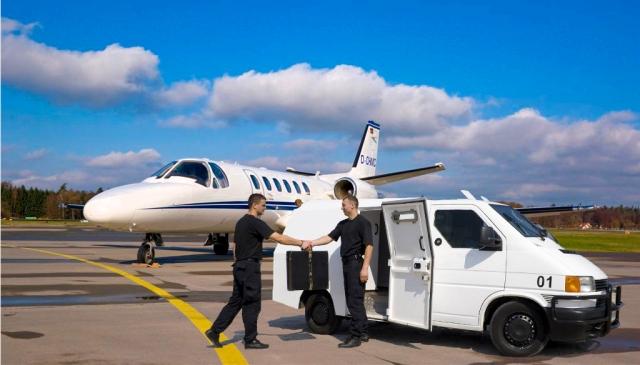 Перевозка самолетом ценностей и произведений искусства