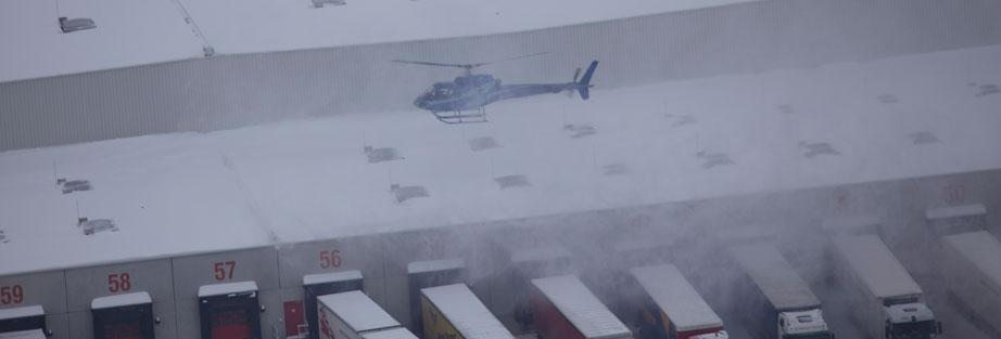 hubschrauber schnee vom dach3