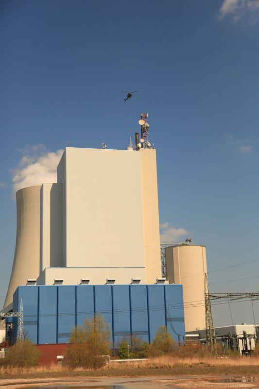 Lastenflug am Kraftwerk
