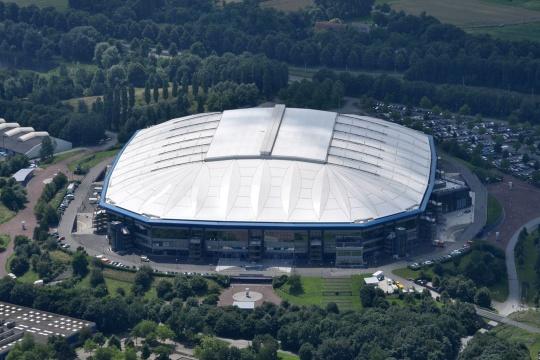 Helikopter-Shuttle zur Arena auf Schalke