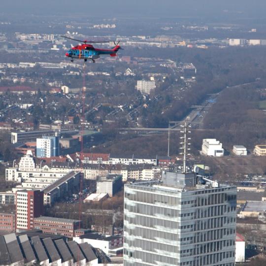 Super Puma am Kölnturm