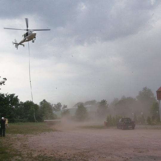 Helikopter Start Schwimmbecken Frankfurt