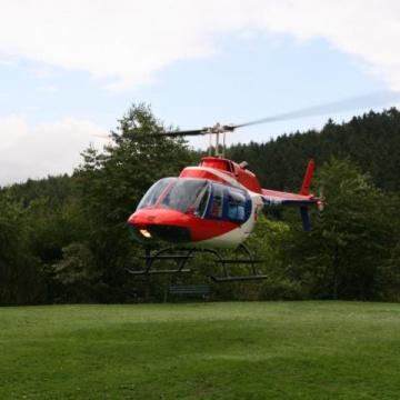 Hubschrauberrundflug zur Begleitung eines Outdoortrainings